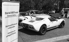 Rassemblement de voitures anciennes de 1940 à 1990 - Fayence